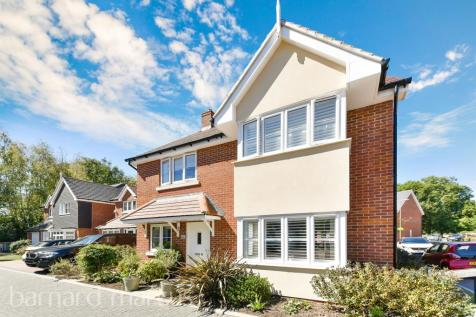Rona Maclean Close, Epsom. 4 bedroom detached house