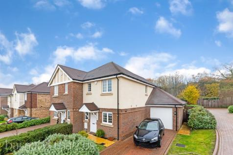 Anmer Close, Epsom. 3 bedroom semi-detached house
