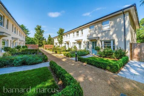 Frith Park, Sturts Lane, Walton On The Hill, Tadworth. 2 bedroom terraced house