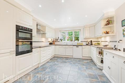 Monro Place, Epsom. 4 bedroom detached house