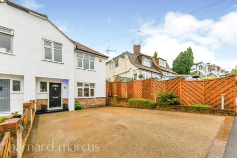 Chipstead Way, Banstead. 3 bedroom semi-detached house