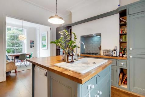 Camberwell New Road, London. 4 bedroom terraced house