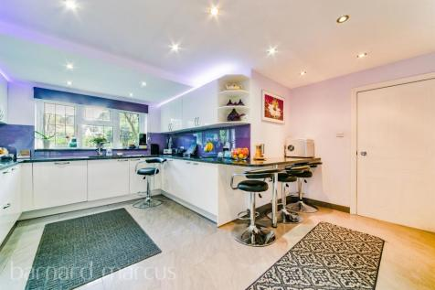 Blossom Close, SOUTH CROYDON. 4 bedroom town house for sale