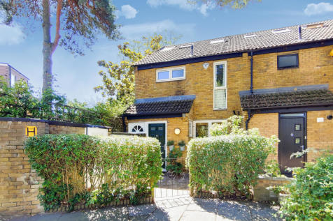 Lewesdon Close, London. 4 bedroom end of terrace house for sale