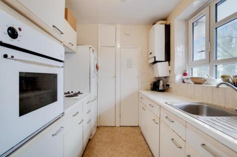 Aldrington Road, Streatham. 4 bedroom flat for sale