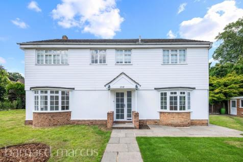 Beechwood Close, Long Ditton, Surbiton. 4 bedroom detached house