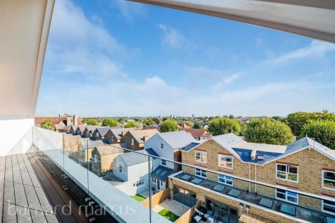 Antoinette Close, Kingston Upon Thames. 3 bedroom penthouse for sale
