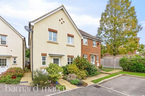 Roseacre Close, SUTTON. 3 bedroom semi-detached house for sale