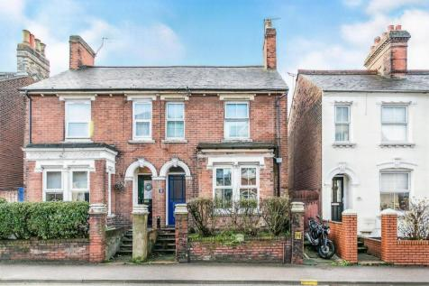Military Road, Colchester. 3 bedroom semi-detached house