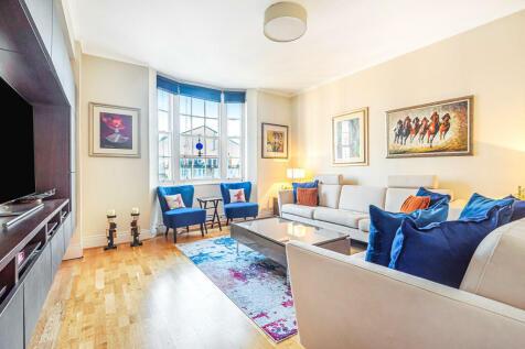 Queensway, London. 2 bedroom flat