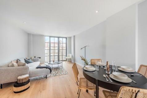 Trenmar Gardens, Kensal Rise, London. 3 bedroom apartment