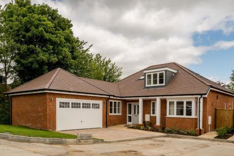 St. Francis Close, Tring. 3 bedroom detached bungalow for sale