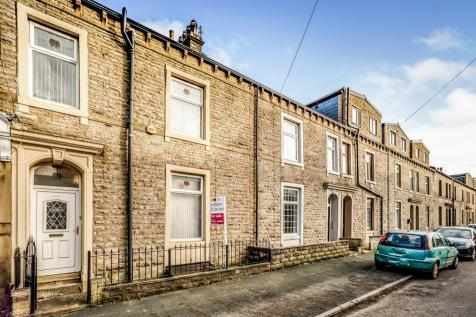 Queens Road, Halifax. 5 bedroom terraced house