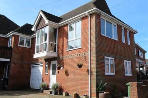 High Street, Hamble, Southampton, SO31. 3 bedroom semi-detached house for sale