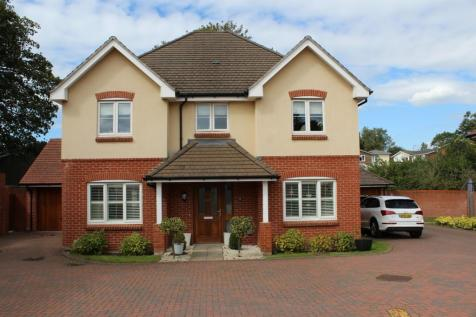 Rose Bank Close, Sarisbury Green, Southampton, SO31. 4 bedroom detached house