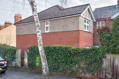 Muriel Road, Norwich NR2 3NY. 4 bedroom semi-detached house