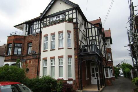 Imperial Avenue, Westcliff-on-Sea. 1 bedroom ground floor flat