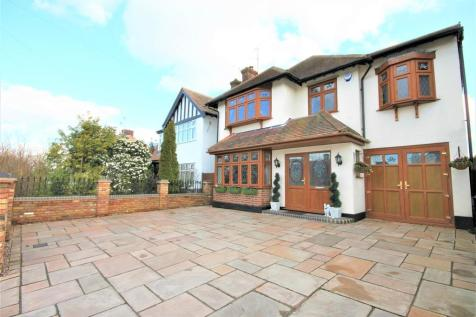 Exford Avenue, Westcliff-on-Sea. 4 bedroom detached house
