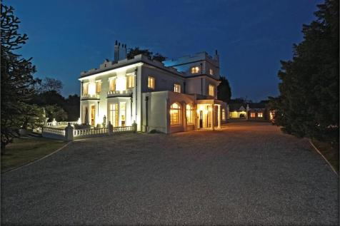 Turners Hill Road, Worth, West Sussex, RH10. 6 bedroom detached house