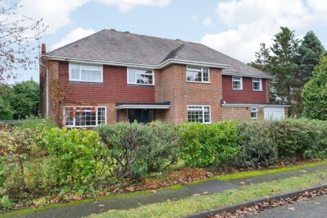 Swiss Close, Farnham, GU10. 5 bedroom detached house for sale