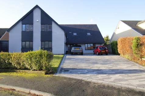 Fir Tree Close, Yarm, TS15. 6 bedroom detached house for sale