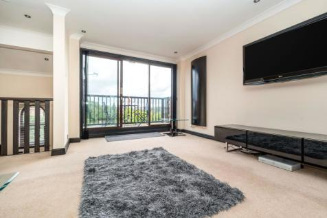 Windsor Court, Chester, CH1. 2 bedroom town house