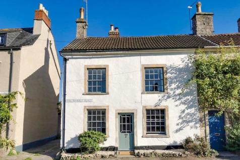 Market Place, Frome, BA11. 3 bedroom terraced house