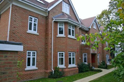 Sidney Road, Walton-on-Thames. 2 bedroom flat