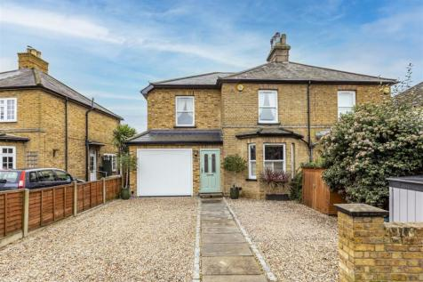 Queens Road, Hersham, Walton-On-Thames. 4 bedroom semi-detached house for sale