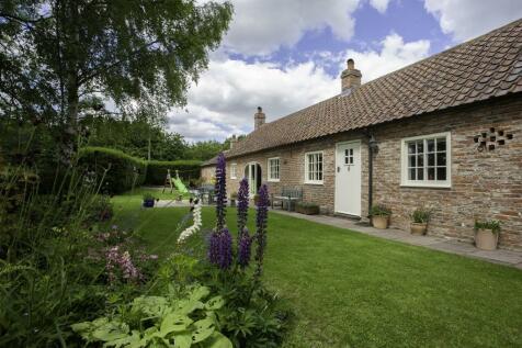 Low Skerningham Lane, Darlington, DL1. 3 bedroom bungalow for sale