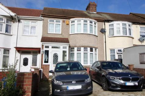 Rosecroft Road, Southall. 3 bedroom terraced house