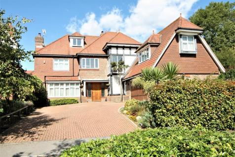 Julius Caesar Way, Stanmore. 7 bedroom detached house