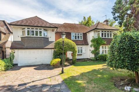 Canons Drive, Edgware,. 4 bedroom detached house