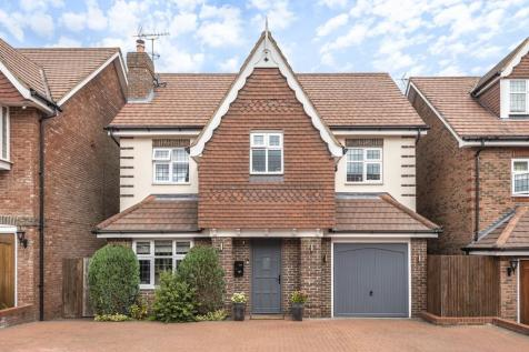 Fauna Close, Stanmore,. 5 bedroom detached house