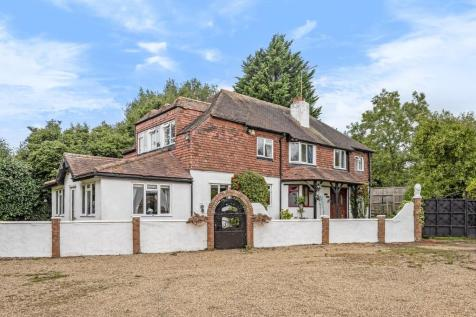 Common Lane, Radlett. 5 bedroom detached house for sale