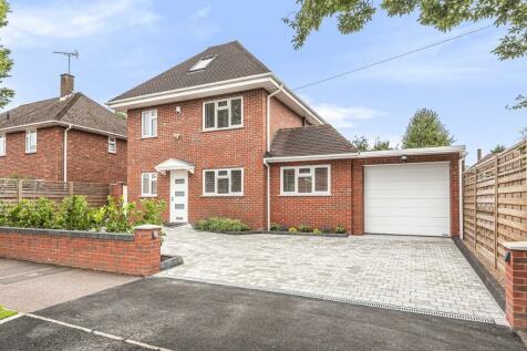 Mostyn Road, Bushey,. 5 bedroom detached house for sale