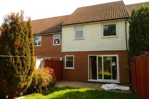 Brighton Hill, Basingstoke, Hampshire, RG22. 3 bedroom terraced house