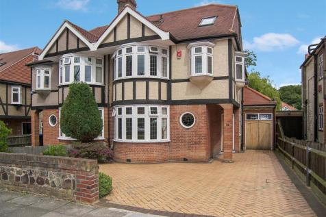 The Chine, London, winchmore hill property