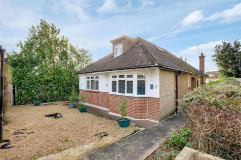 Eversley Close, London. 4 bedroom detached house for sale
