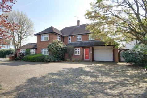 Broad Walk, Winchmore Hill. 4 bedroom house for sale