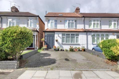 Sittingbourne Avenue, Enfield. 4 bedroom house