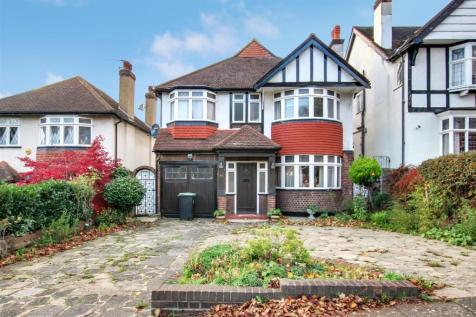 Old Park Ridings, London. 4 bedroom detached house for sale