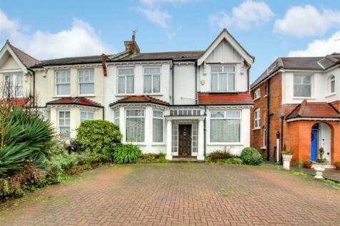 Green Dragon Lane, London. 4 bedroom house for sale