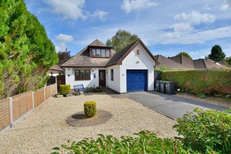 Stanfield Road, Ferndown, Dorset, BH22 9PA. 3 bedroom detached house