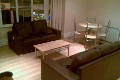 Portswood Road, Portswood, Southampton, SO17. 4 bedroom flat