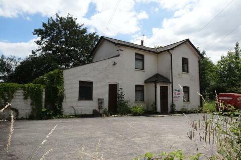Knowle Lane, Cranleigh. 5 bedroom detached house