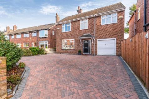 Wigan Lane, Wigan, Greater Manchester, WN1. 4 bedroom detached house