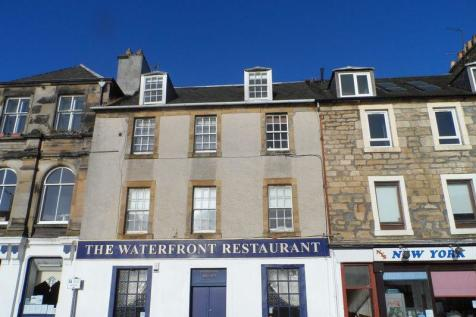 High Street, Kirkcaldy. 3 bedroom flat