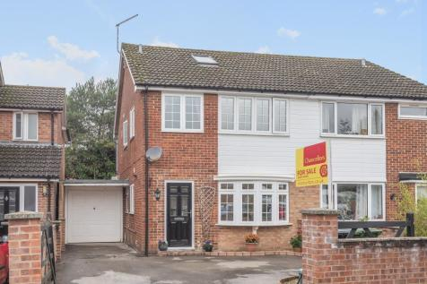 Cherry Tree Close, Southmoor, OX13. 3 bedroom semi-detached house