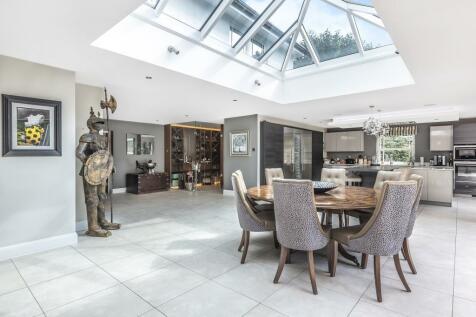 Ascot, Berkshire, SL5. 5 bedroom detached house for sale